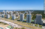 Foto #66848 - Aerial view of the Lorenzo Batlle Pacheco promenade over Brava beach and its towers.
